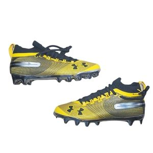 NWOT Under Armour Yellow and Black Spotlight MC Suede Football Cleats Size 9